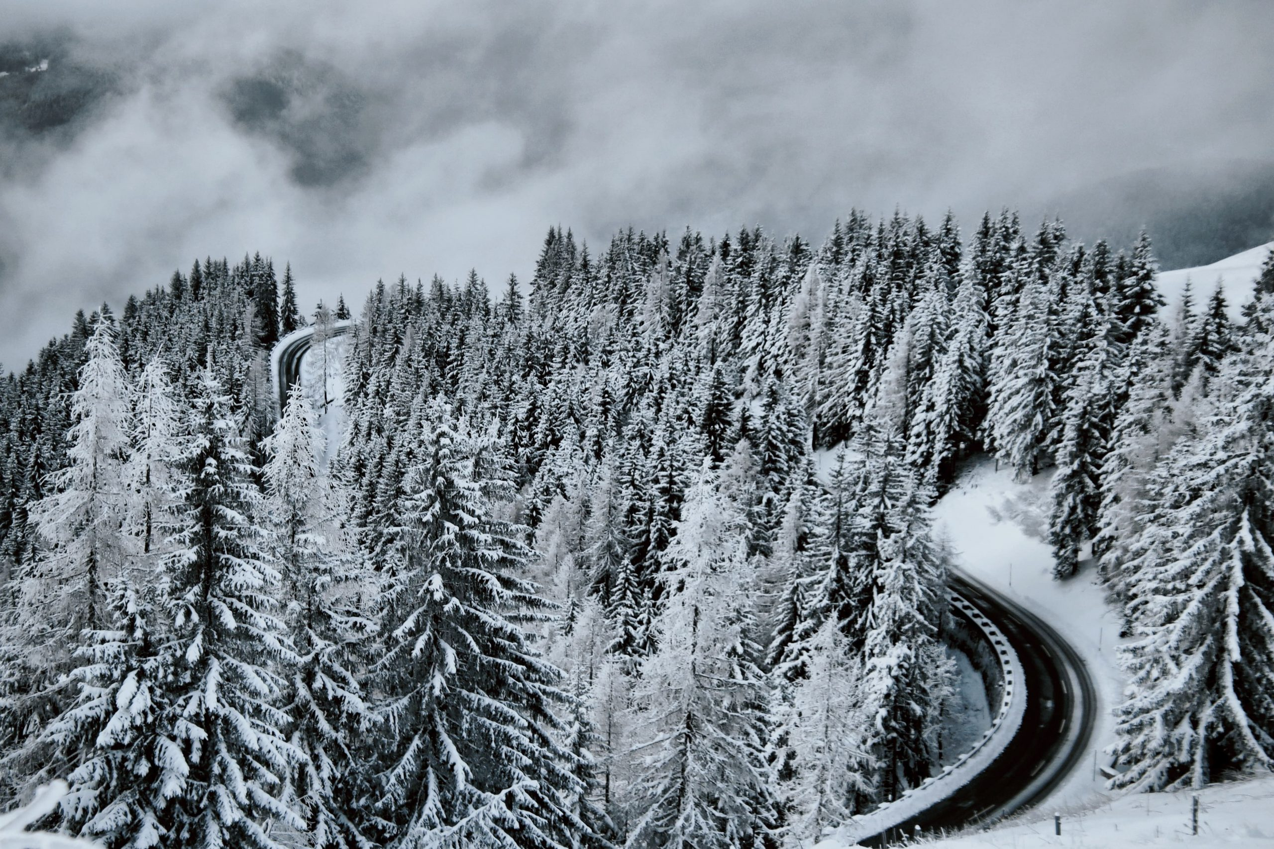Mountains covered in snow - picture taken with Samyang MF 14mm F2.8 MK2